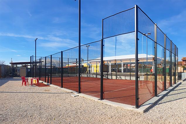 costruzione e pavimentazione di impianti sportivi realizzazione di un capo da padel